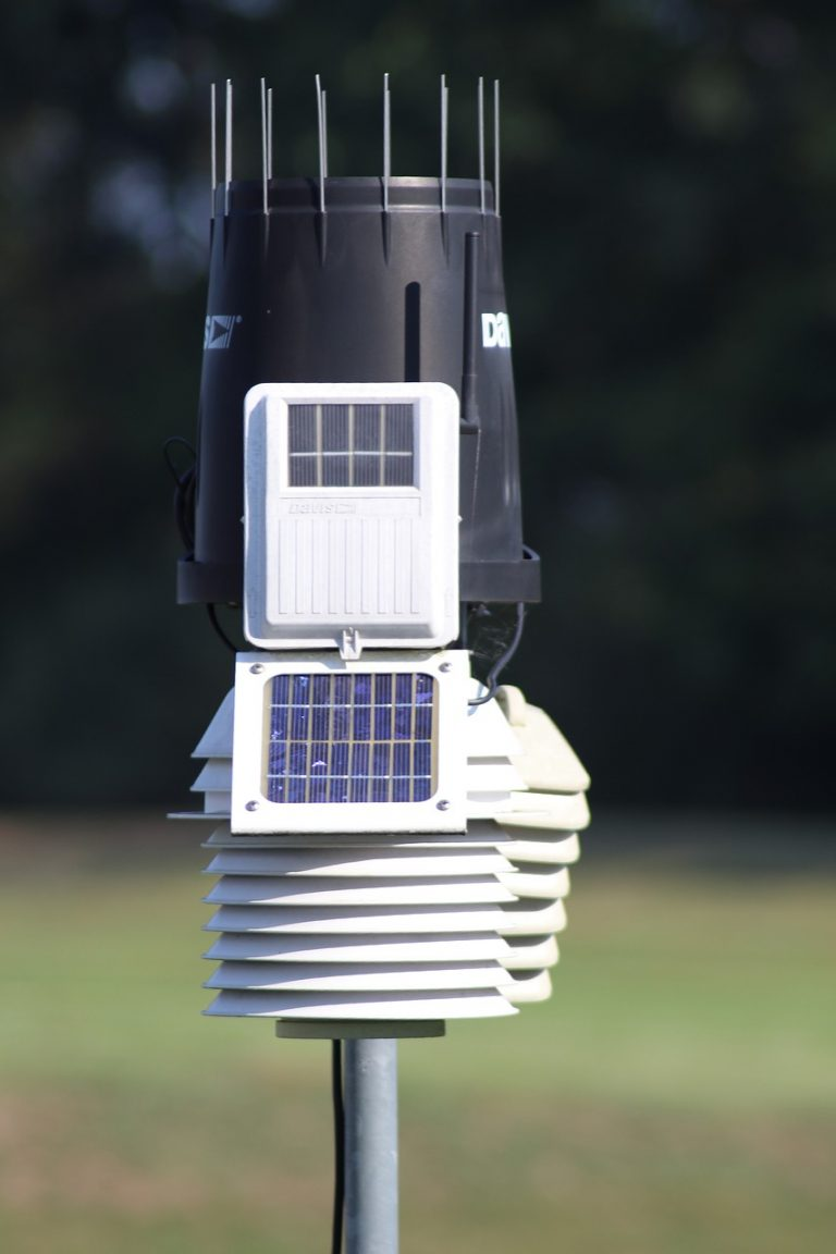 Solar Powered Weather Staion